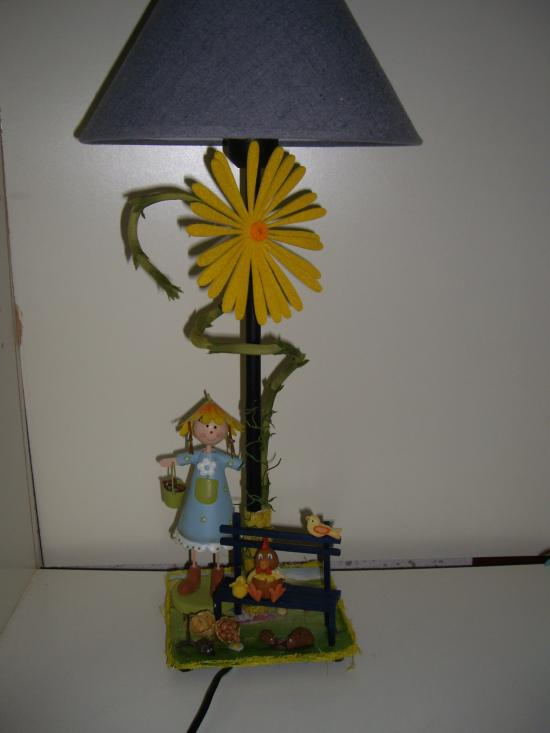 lampe fillette au tournesol